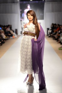 Ayesha-Hassan-Zeitgeist-Keeping-Secrets-collection-at-Fashion-Pakistan-Week-4-91-585x880