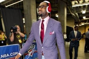 lebron-james-fake-glasses-and-stragically-placed-headphones
