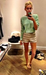 miley_cyrus_outfit_celebrity_selfies_instagram_twitter_18i5f9n-18i5fat