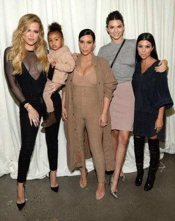 fashion-2016-03-kardashian-jenner-family-style-main.jpg